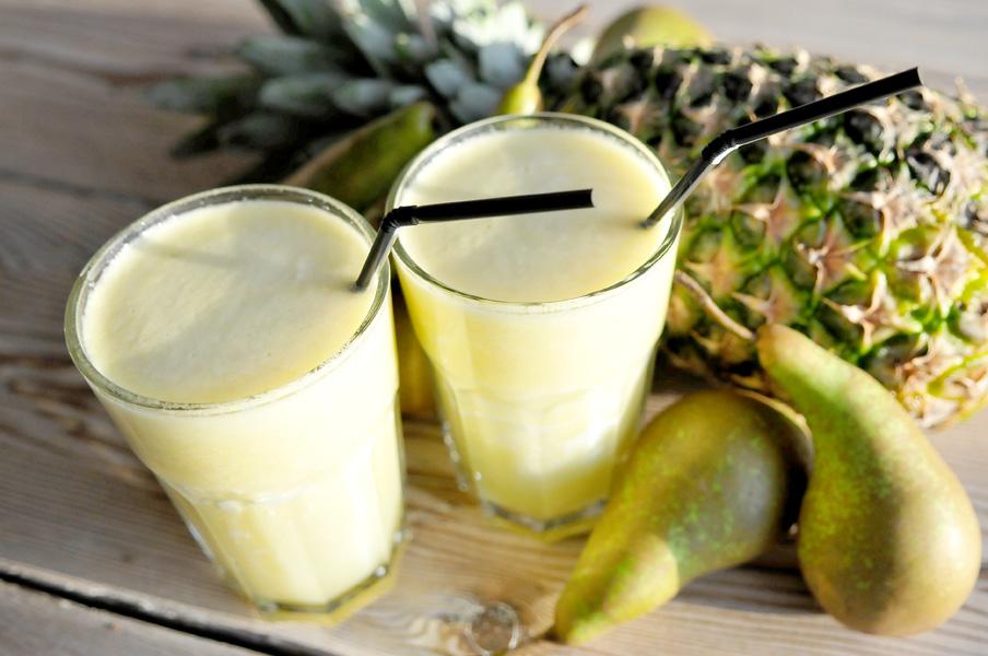 Smoothie van ananas en peer