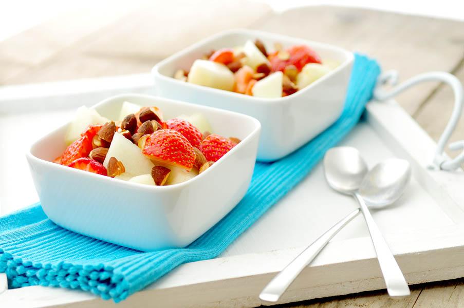 yoghurt-honingmeloen-aardbeien-amandelen