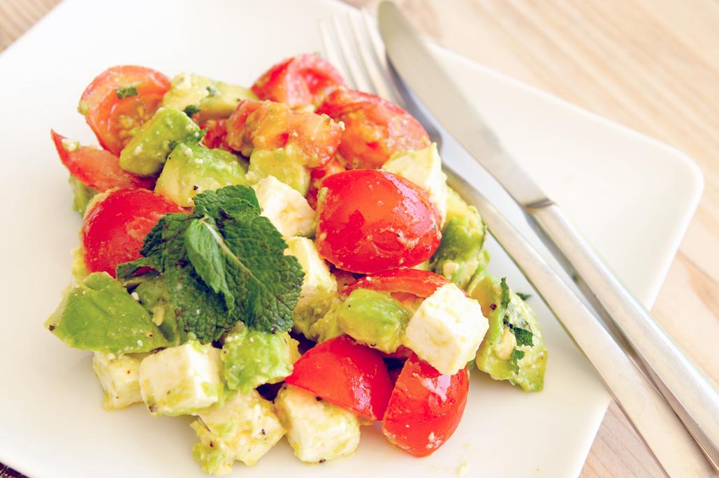 Avocado salade met feta en munt