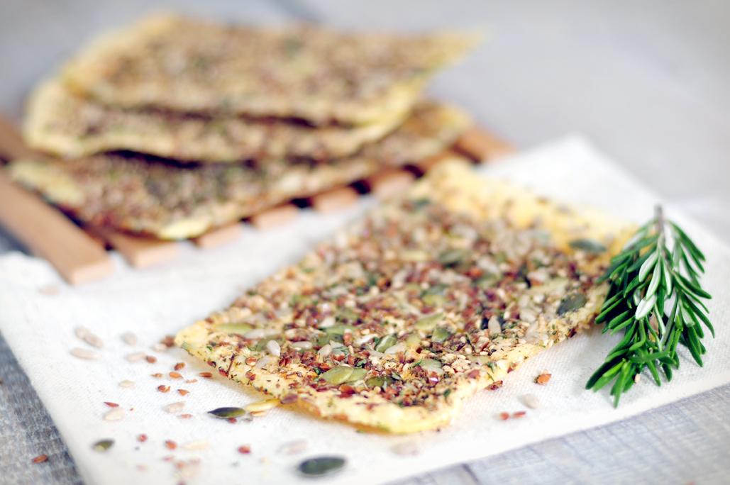Gezonde cracker van kaas en pitten