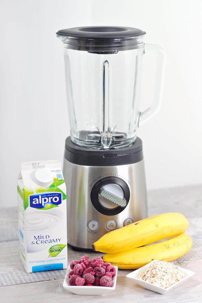 Ontbijtsmoothie-van-plantaardige-yoghurtvariatie-lactosevrij-02