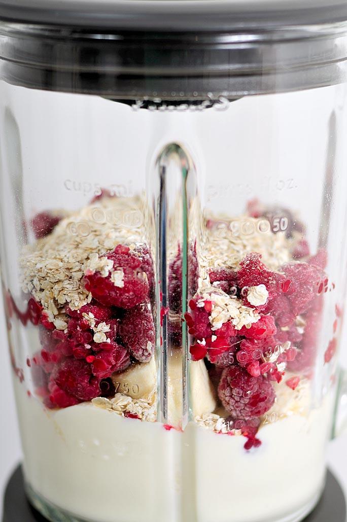 Ontbijtsmoothie-van-plantaardige-yoghurtvariatie-lactosevrij-03