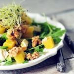 Avocado salade met ananas kip en walnoten