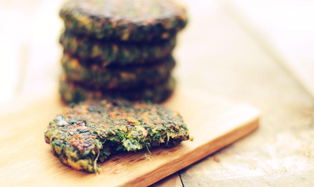 Vegetarische burger met spinazie