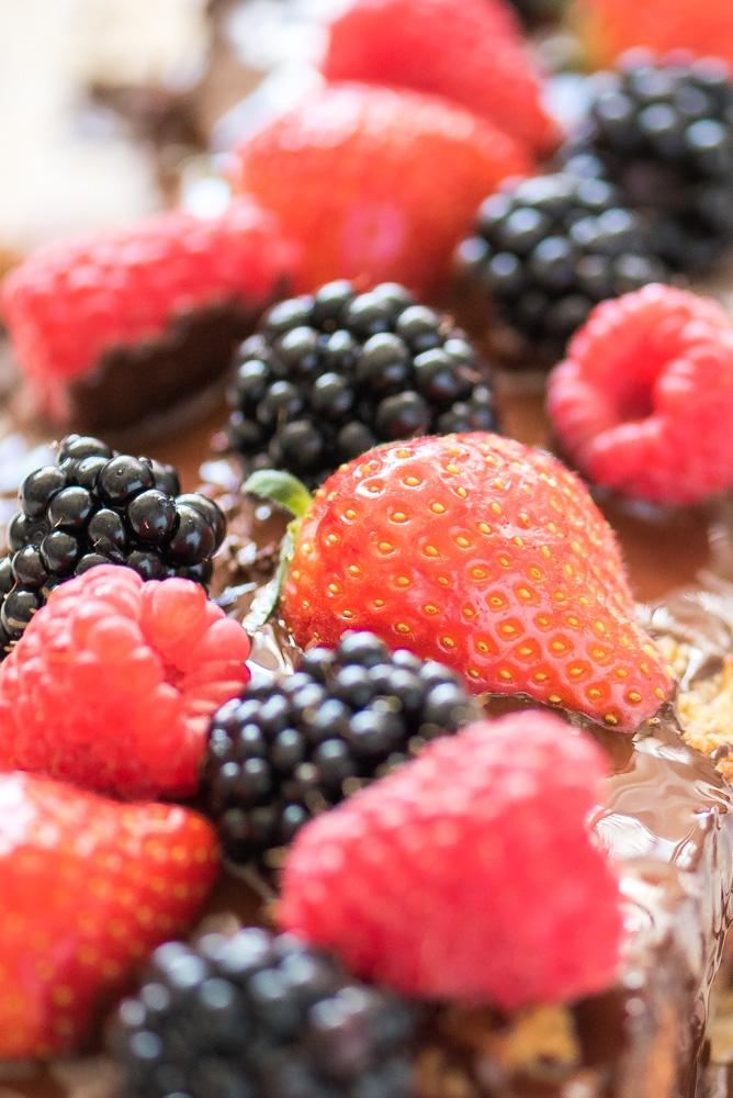 Amandelmeel cake rood fruit chocola 3