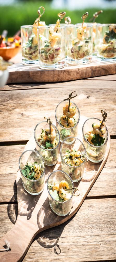 garnalen in knoflook met guacamole tapas
