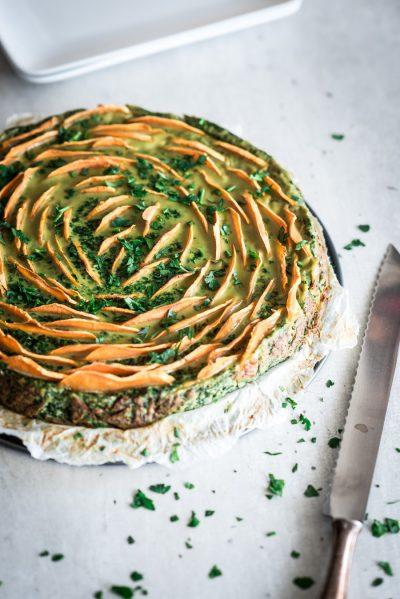 Zoete aardappel taart met spinazie en ricotta