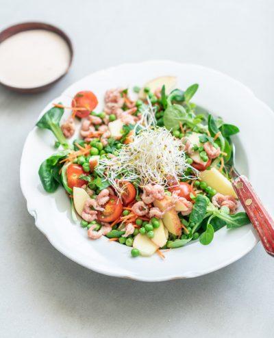 salade met Hollandse garnaaltjes en doperwten
