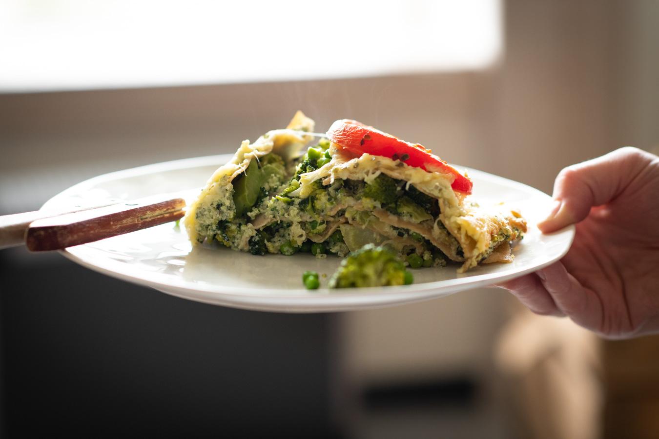 Vegetarische lasagne op een bord