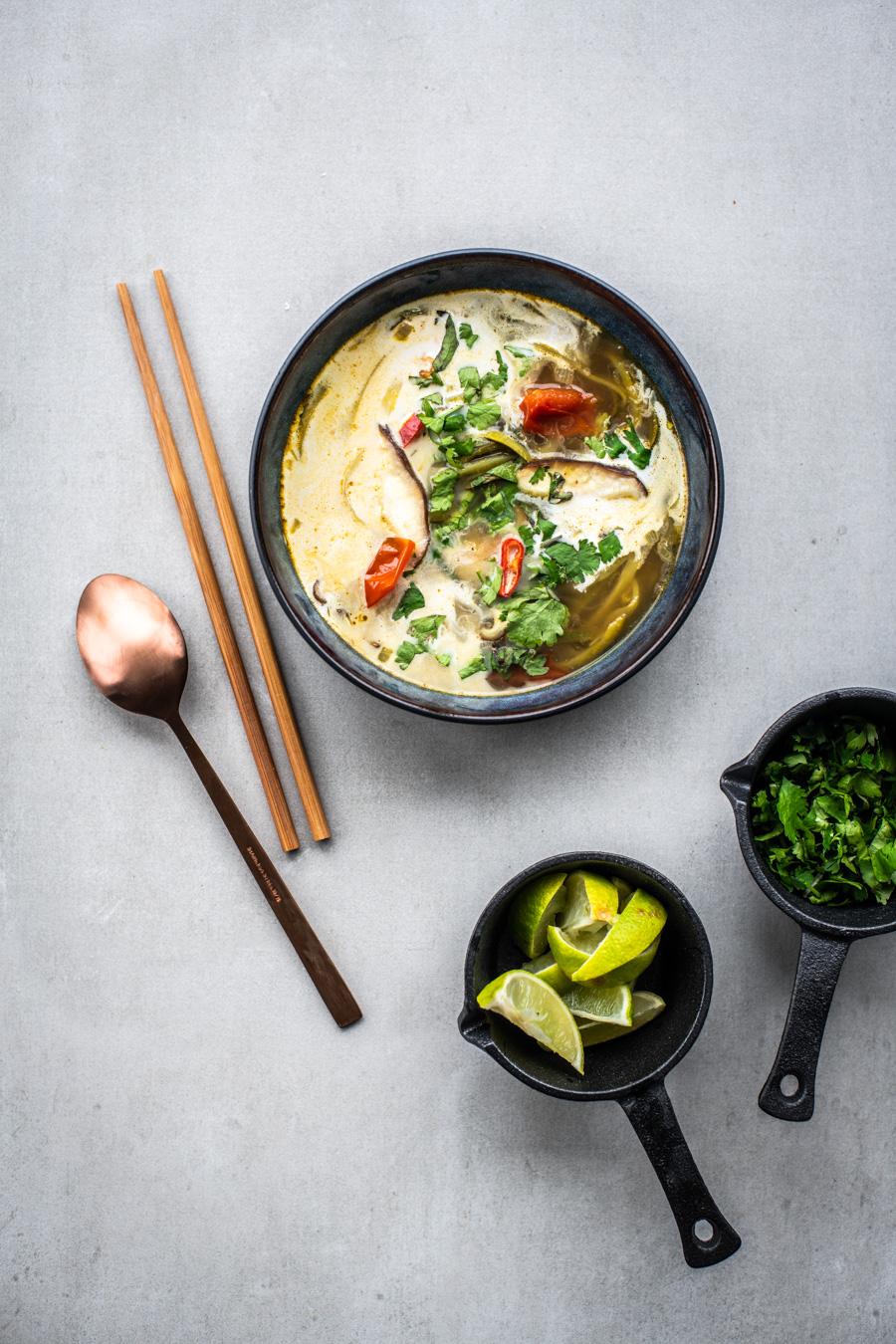 vegan tom yum soep