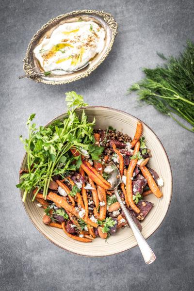 salade van geroosterde penen en rode bieten